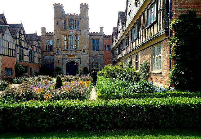 Coughton courtyard